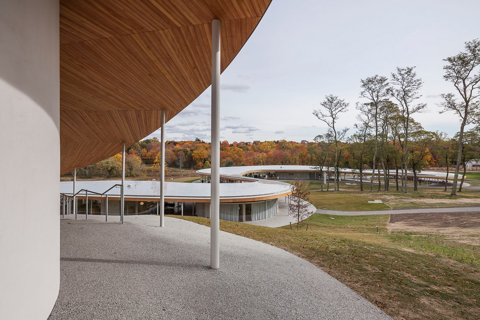 Outside view of the River for Grace farms by SANAA. Photograph © Montse Zamorano.