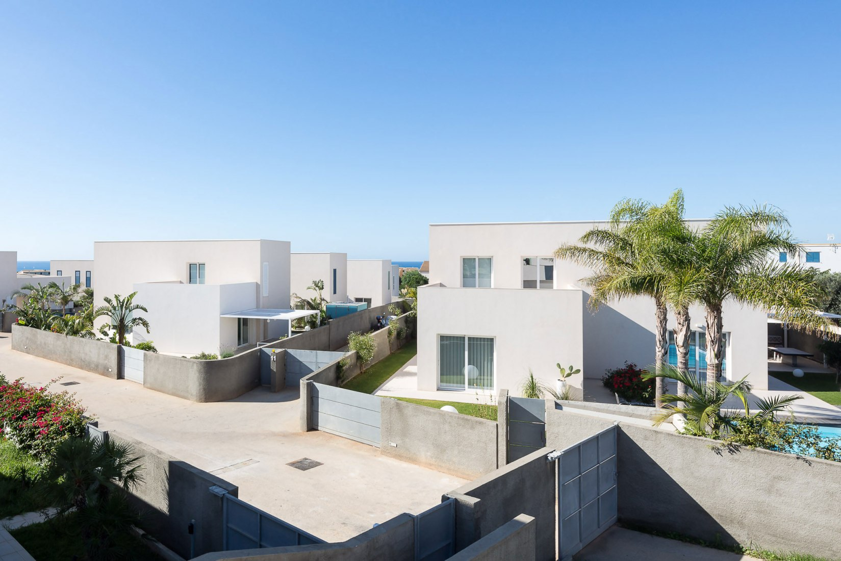 Aerial view. Garden Housing by Nunzio Sciveres and Giuseppe Gurrieri. Photograph by Filippo Poli