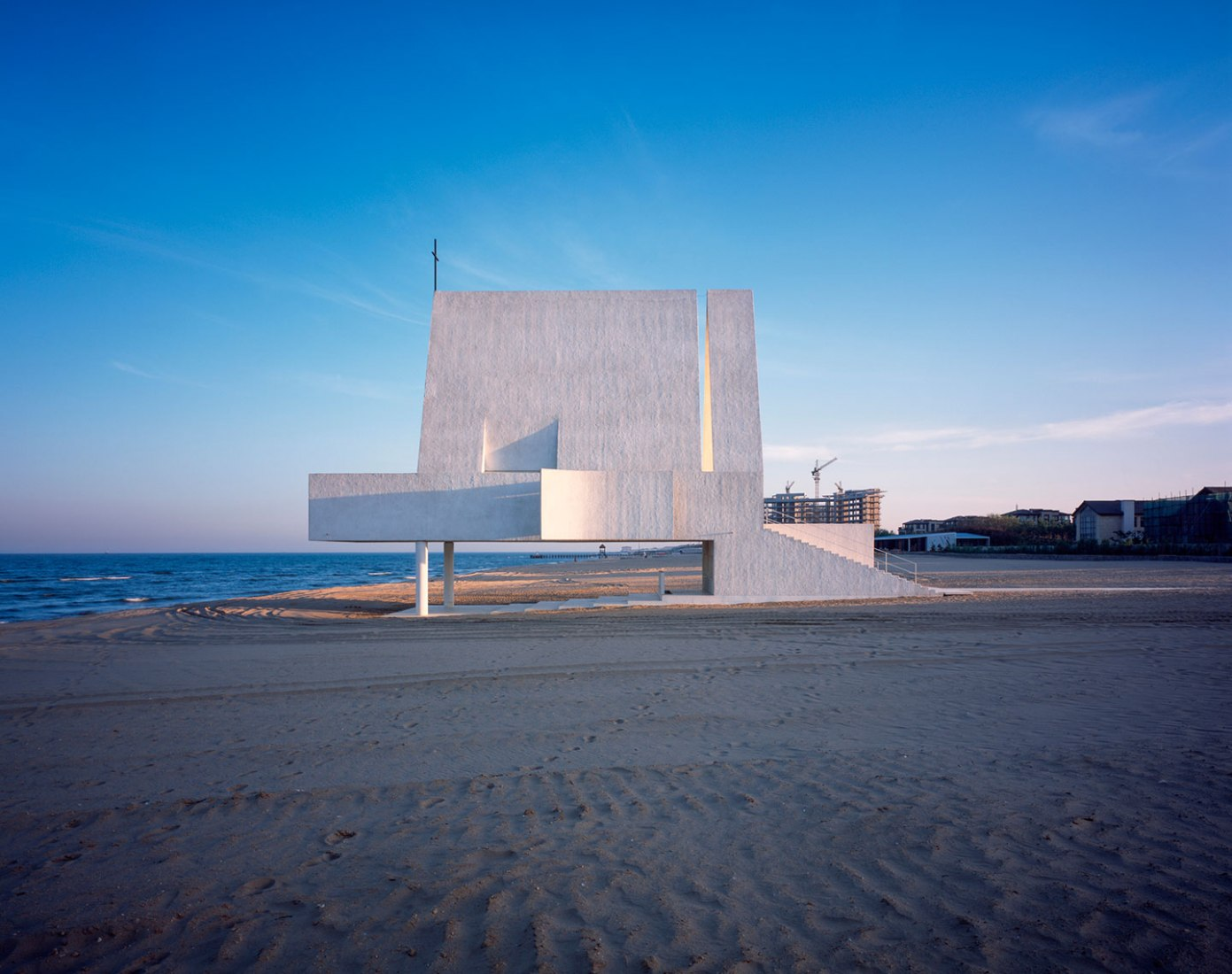 Exterior view. Seashore Chapel by Vector Architects. Photograph © Chen Hao. Image courtesy of Vector Architects.