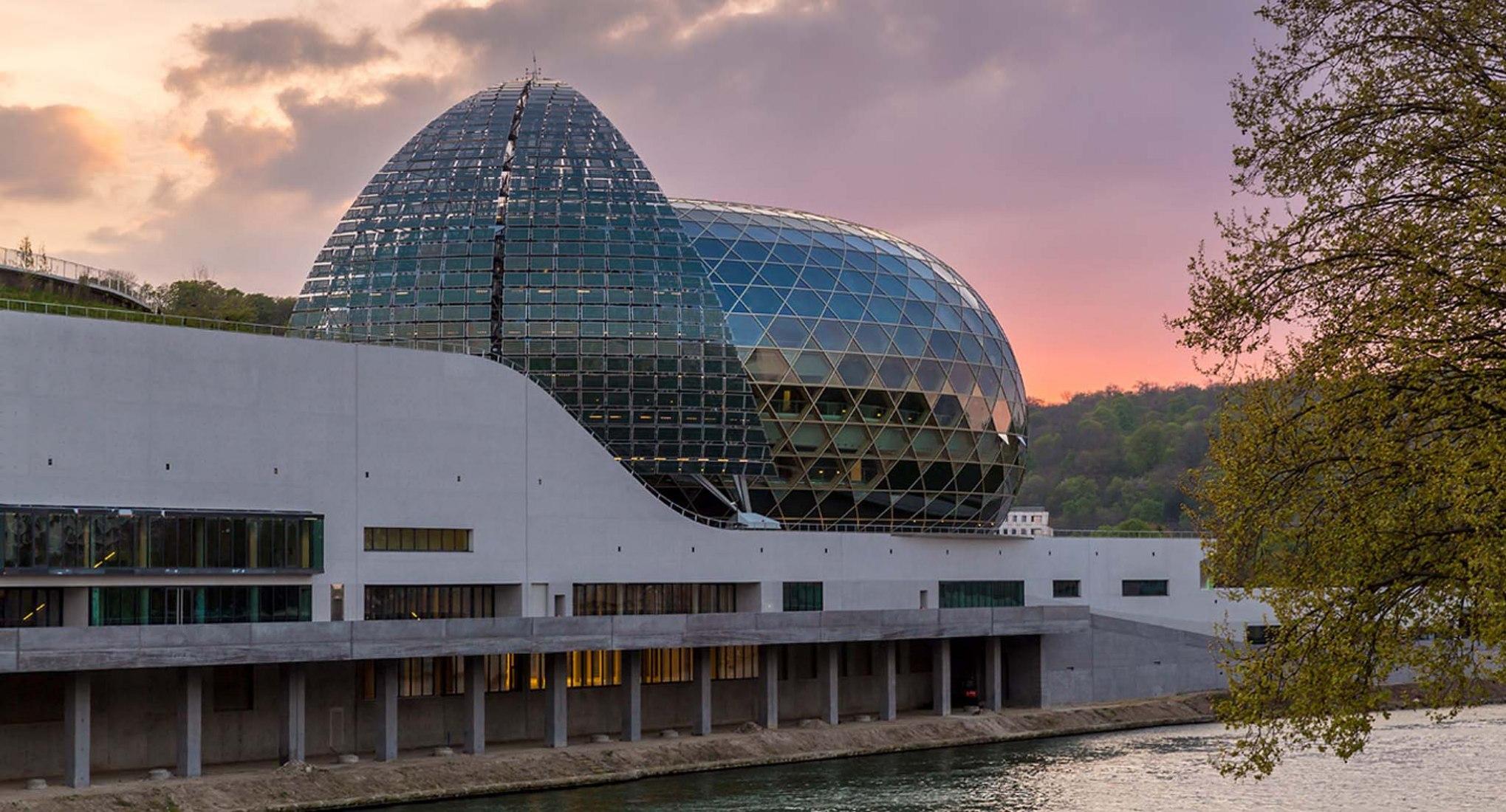 La Seine Musicale por Shigeru Ban Architects Europe + Jean de Gastines Architectes. Fotografía © Laurent Blossier. Imagen cortesía de Bouygues Construction.