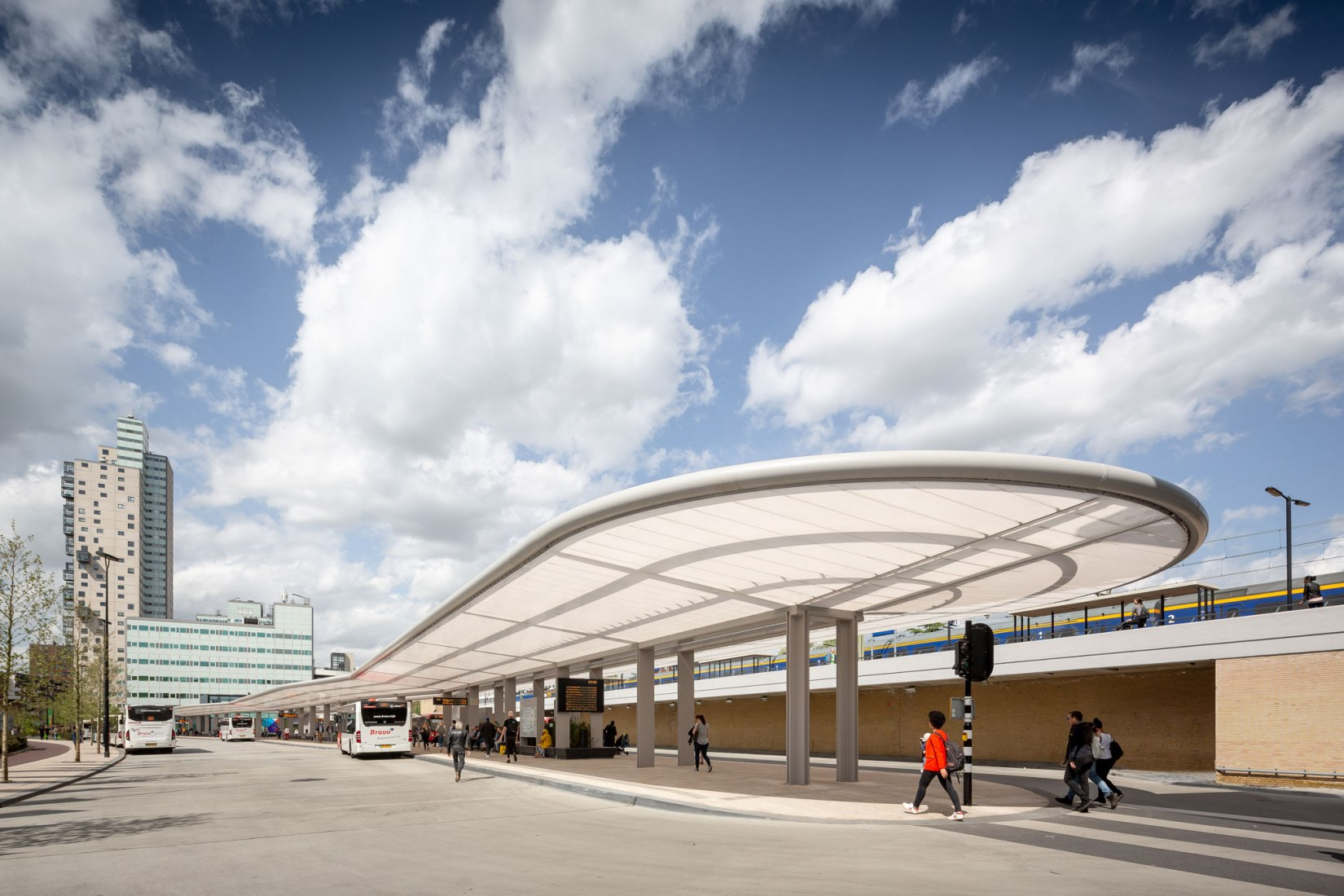 Self-sufficient bus station by Cepezed architects. Photograph by cepezed | Lucas van der Wee. Image courtesy of V2com.
