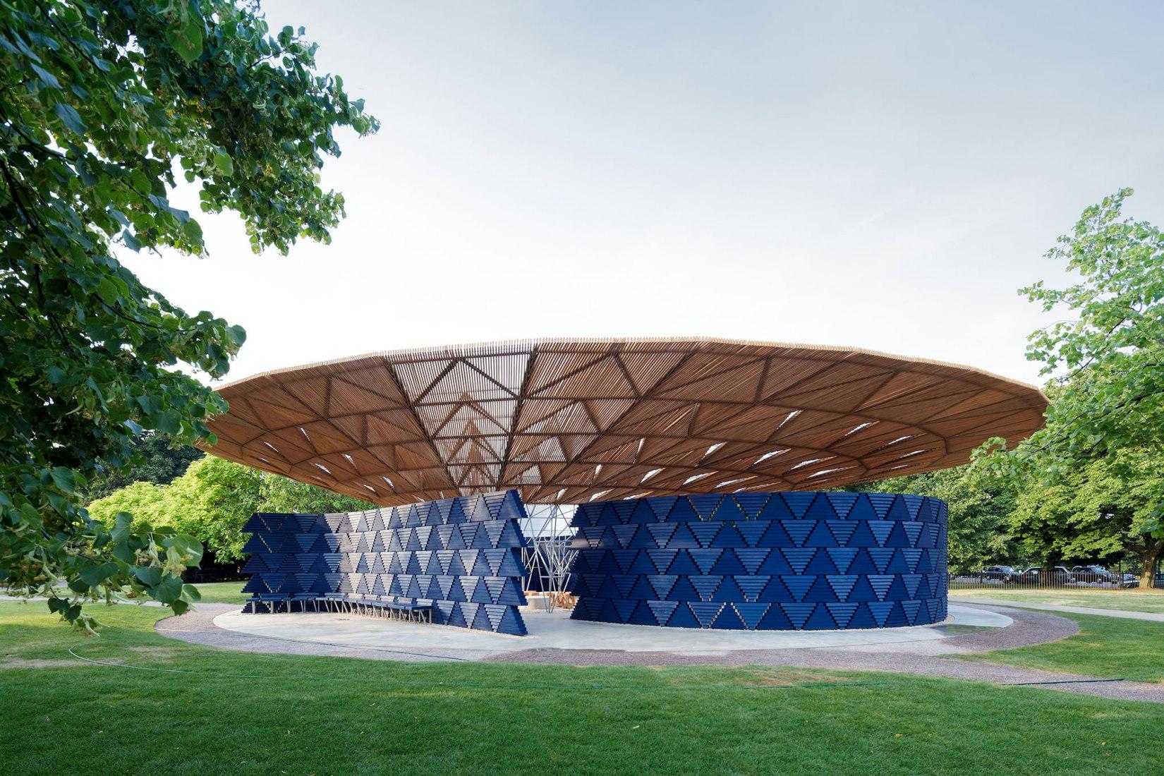 Serpentine Pavilion 2017, designed by Francis Kéré. Serpentine Gallery, London (23 June – 8 October 2017) © Kéré Architecture. Photograph © 2017 Iwan Baan.