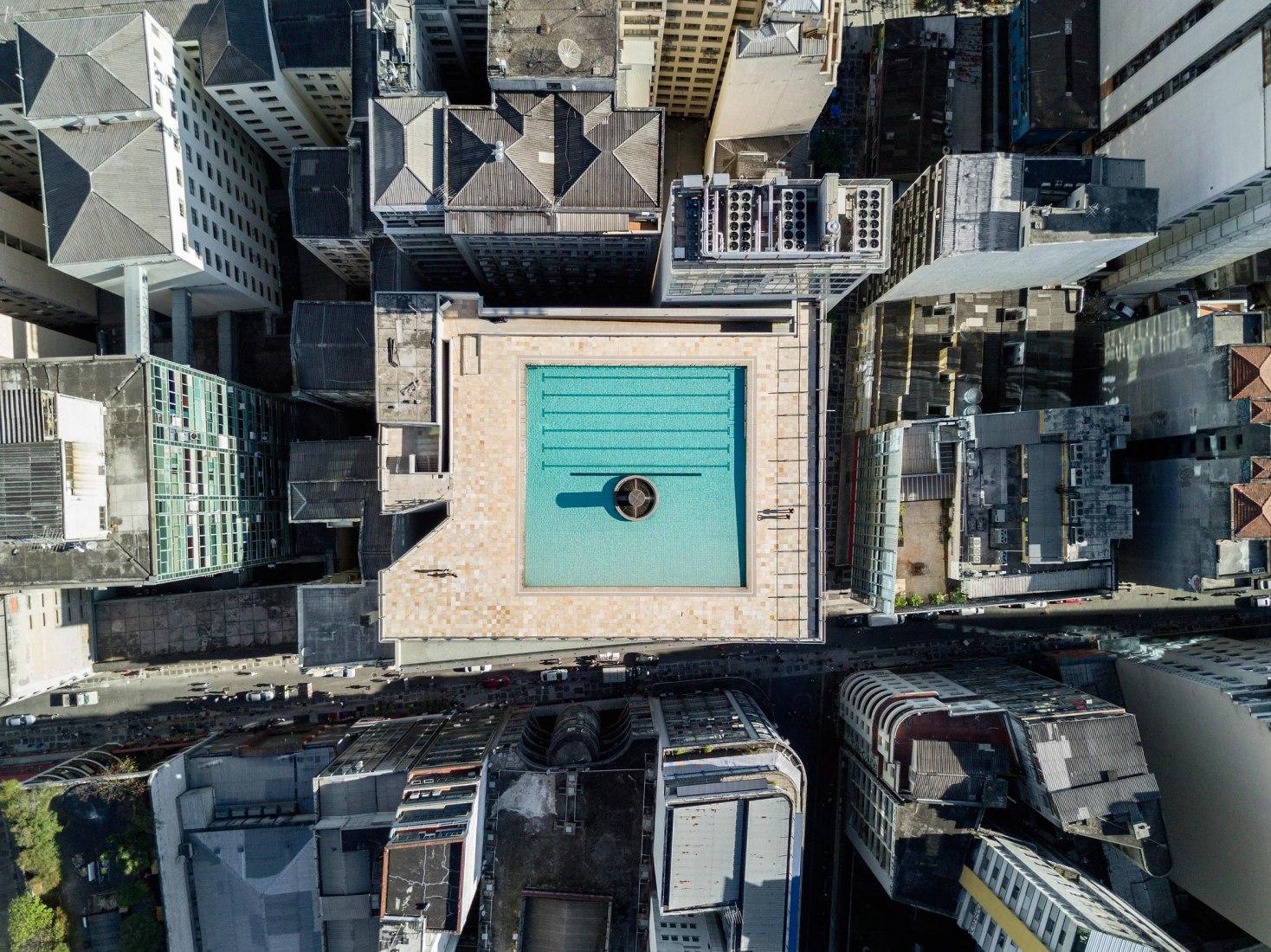 Aerial view. Paulo Mendes da Rocha and MMBB's Newest SESC Franchise in São Paulo. Photograph © Leonardo Finotti. Image courtesy Sesc 24 de Maio