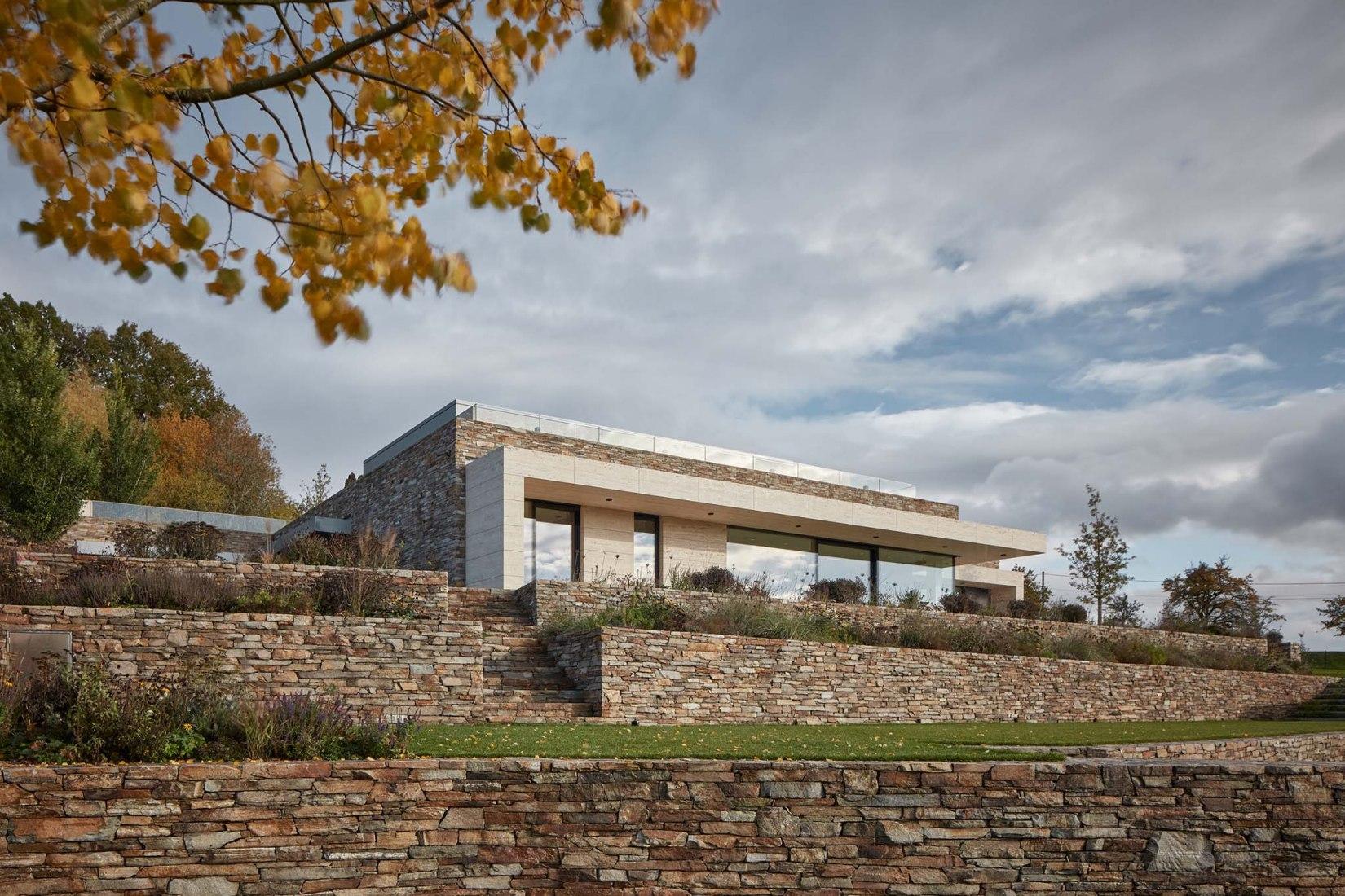 Villa en Vlastibořice por SIAL Architects and Engineers. Fotografía por BoysPlayNice