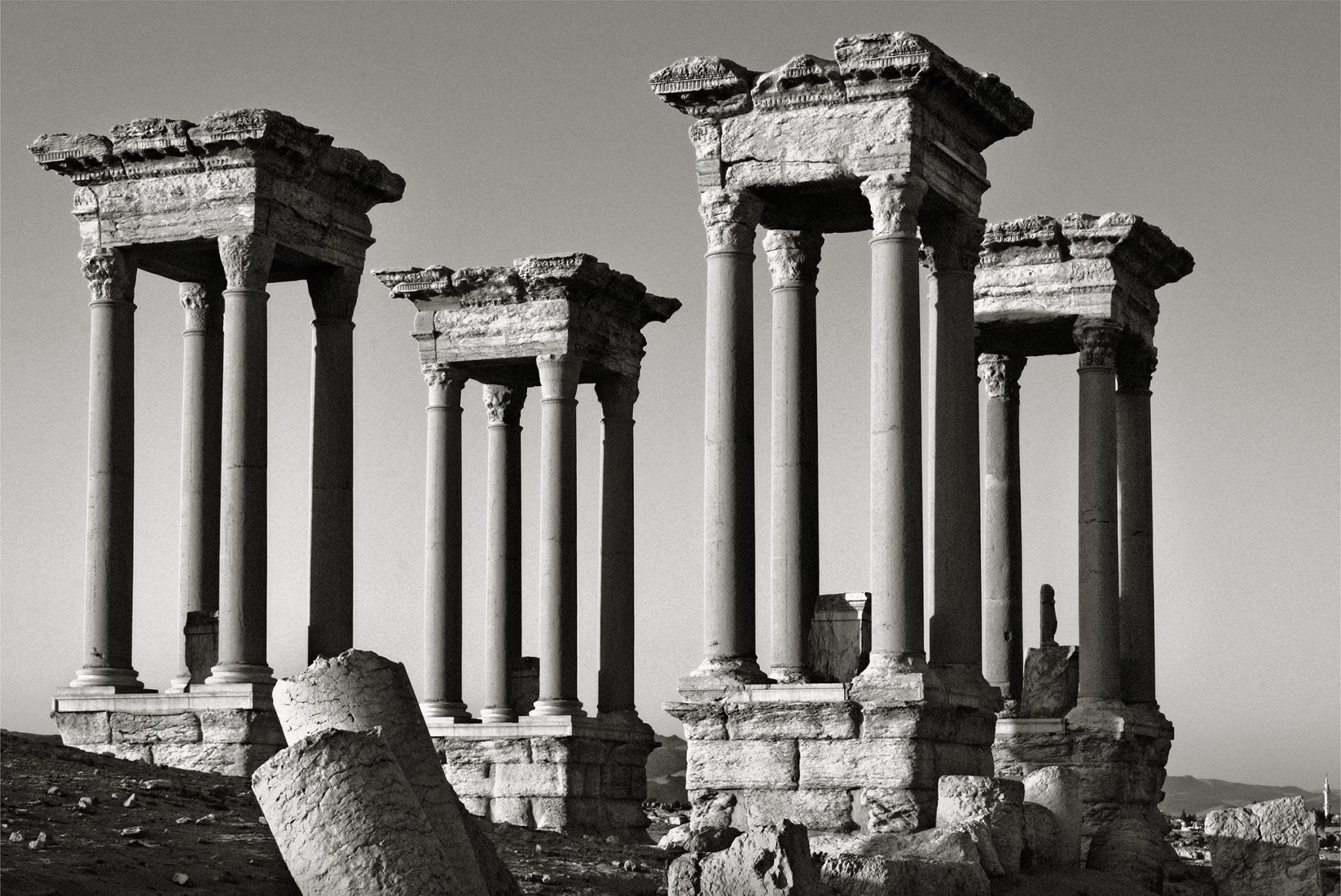 Palmira 1. Siria, una exposición de Pío Cabanillas. Imagen cortesía de La Fábrica