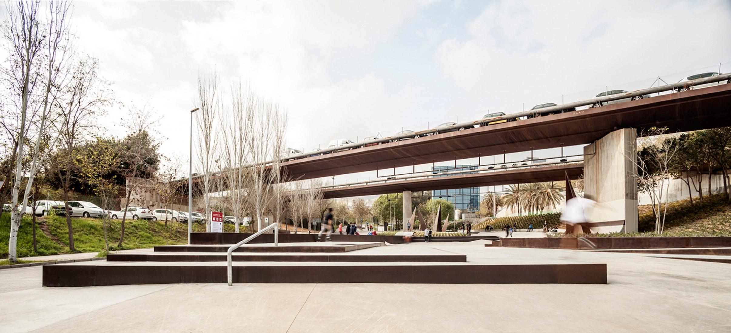 Aureà Cuadrado Urban Sports Park by SCOB Arquitectura y Paisaje. Photograph © Adrià Goula.