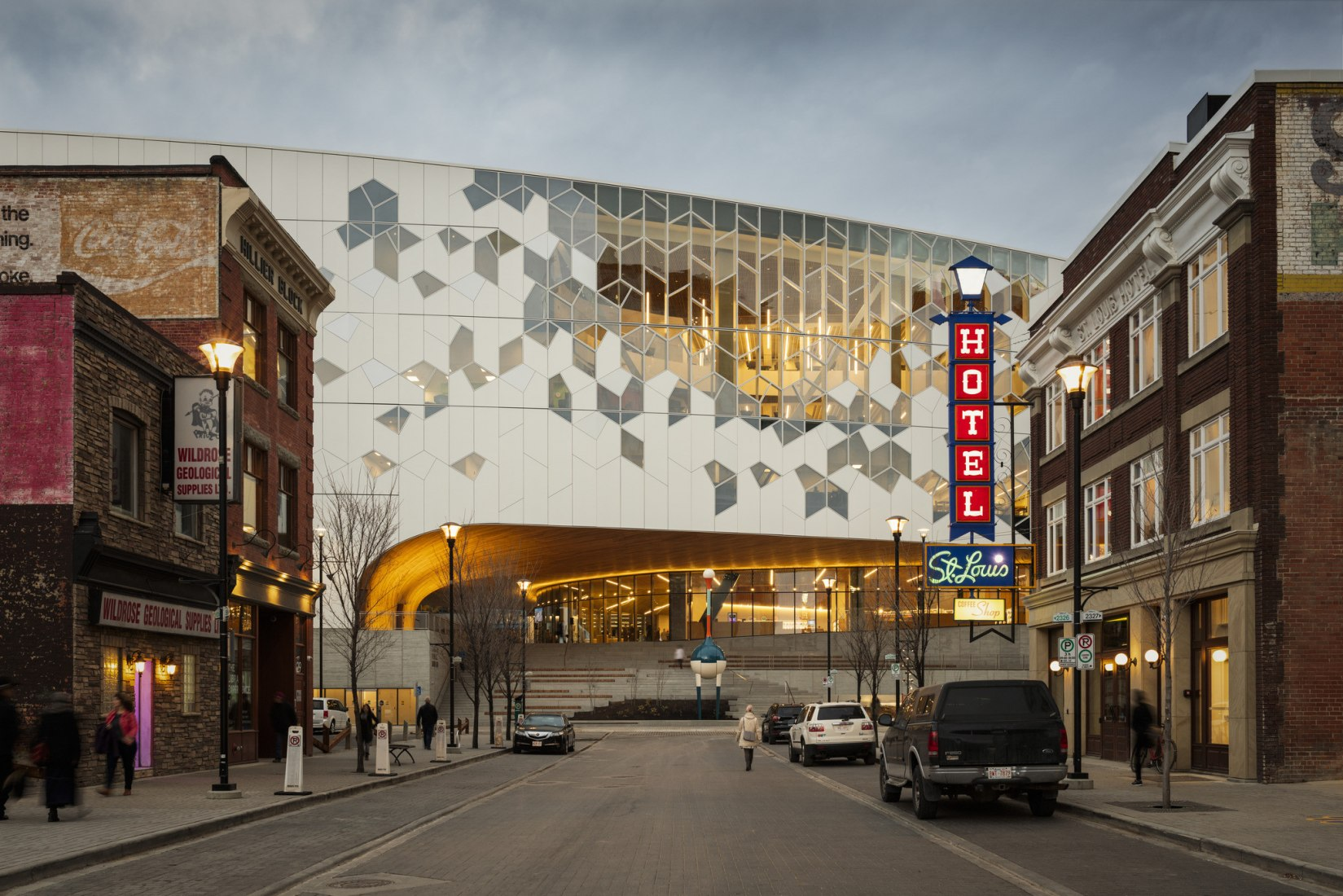 Calgary's new Central Library by Snøhetta + DIALOG. Photograph by Michael Grimm