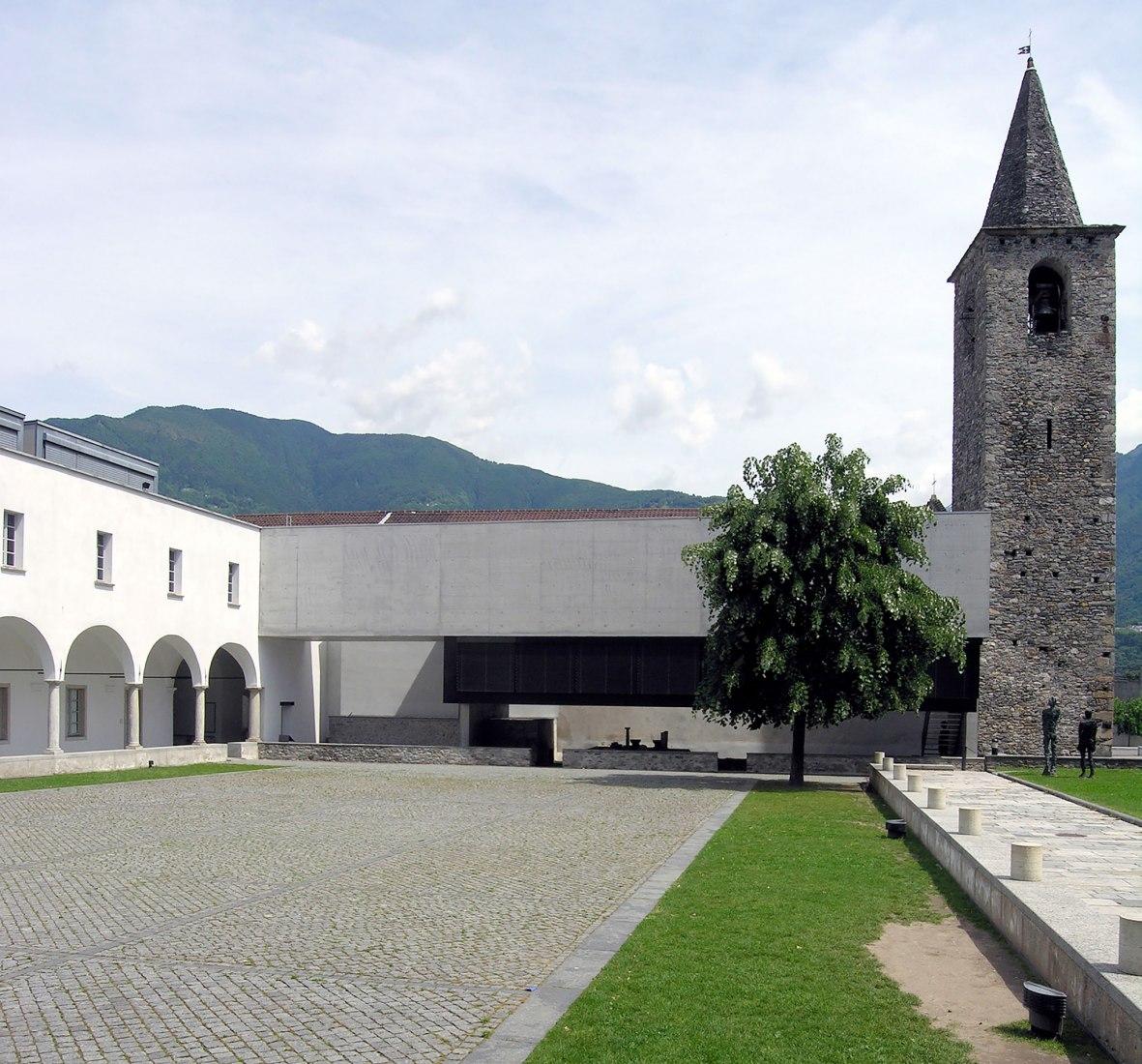 Escuela primaria (El Cunvént 4, Monte Carasso) por Luigi Snozzi, Suiza, 1987-1993.