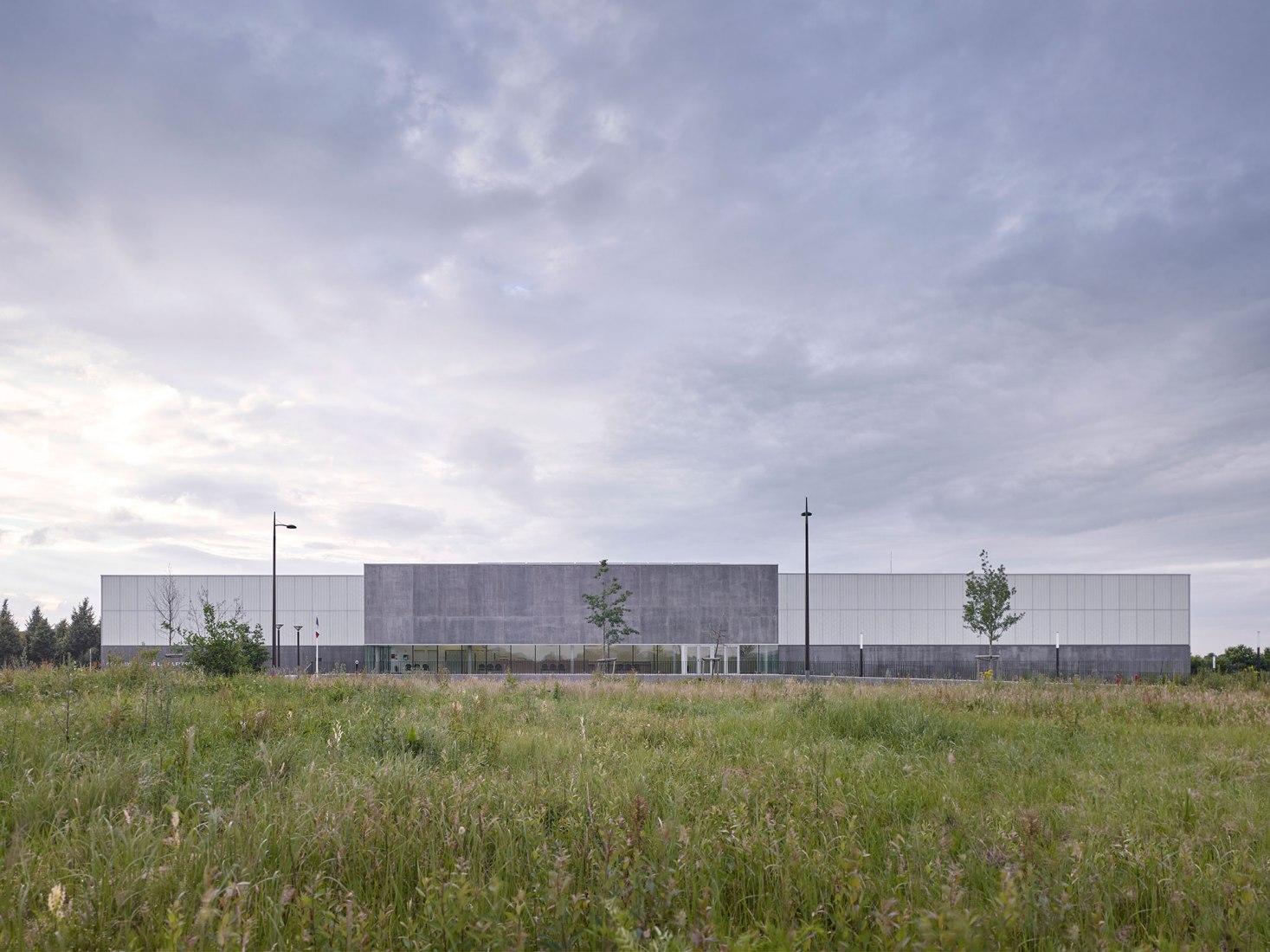Sports Center by Martin Duplantier Architectes. Photograph © Yohan Zerdoun