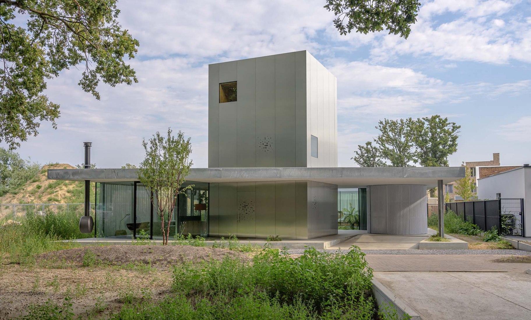 Villa Fifty-Fifty por Studioninedots. Fotografía por Frans Parthesius