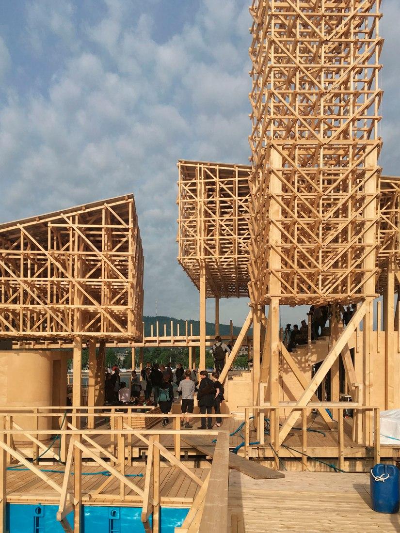 Vista del Pabellón de Reflejos para Manifesta 11 por Studio Tom Emerson. Fotografía © Studio Tom Emerson.
