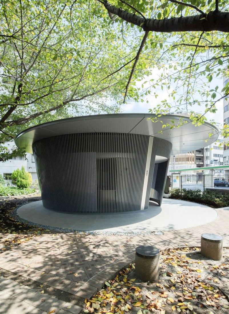 Amayadori. Toilet in Jingu-Dori Park by Tadao Ando. Photograph by Satoshi Nagare, courtesy of the Nippon Foundation