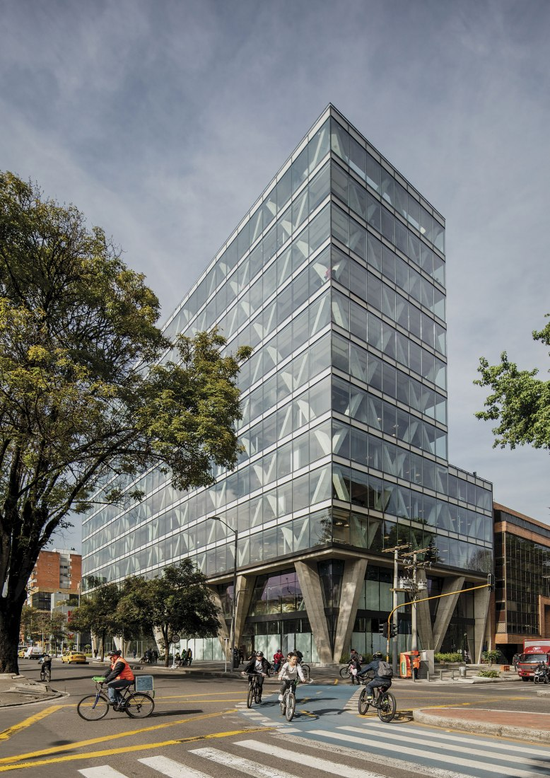 8111 building by Taller de Arquitectura de Bogotá. Photograph by Alejandro Arango.
