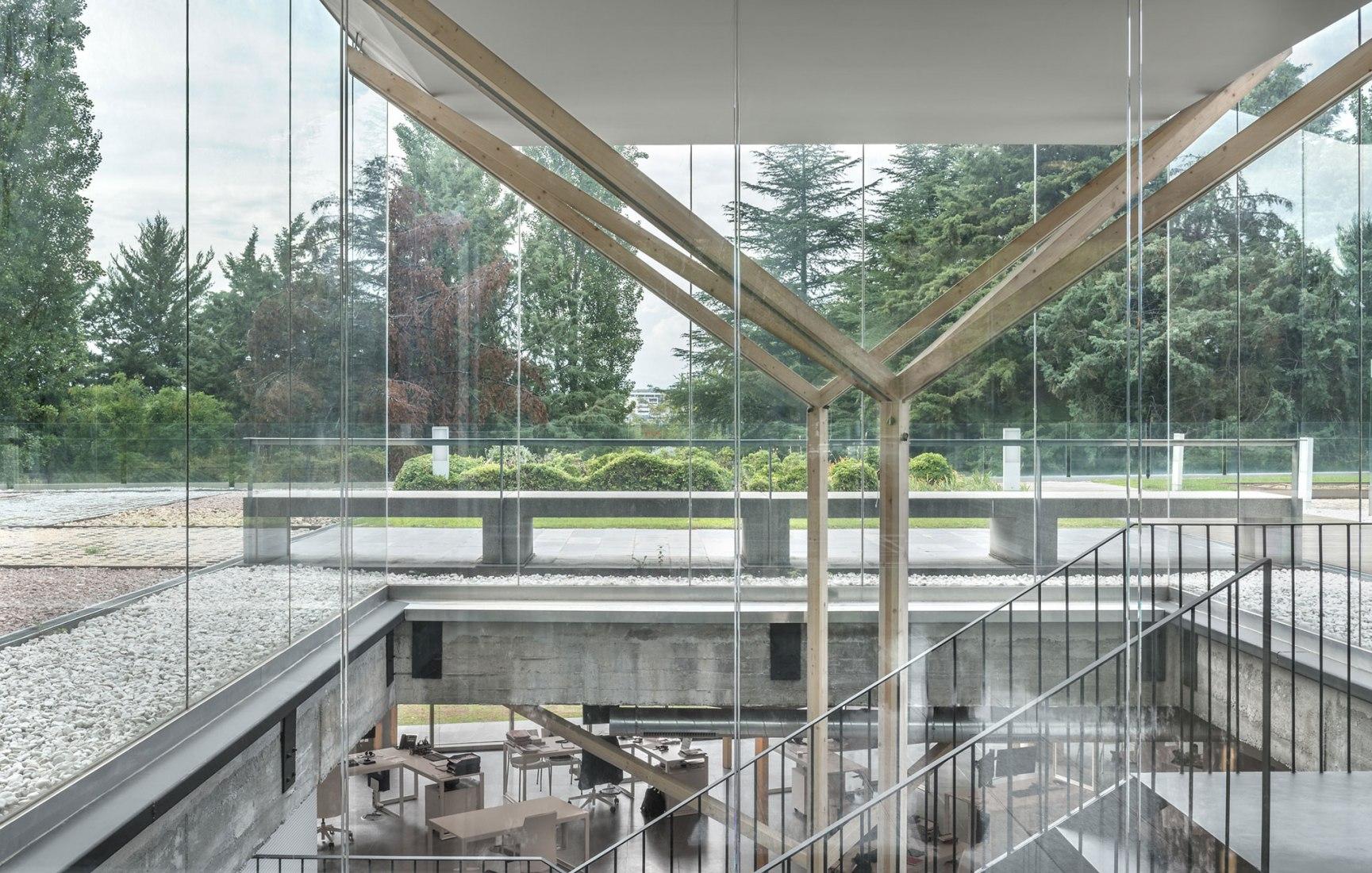 El Campus Arbea de Alcobendas por Taller Básico de Arquitectura. Fotografía por Lucía Gorostiegui