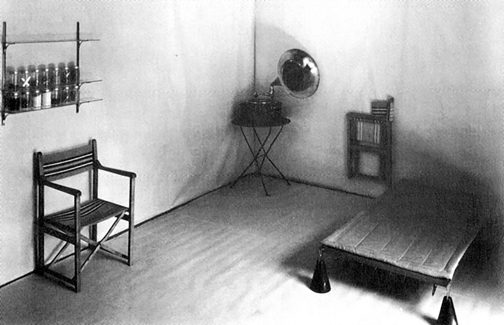The Co-co room by Hannes Meyer. 1926. Photograph by Hoffmann, Basel, BHA.