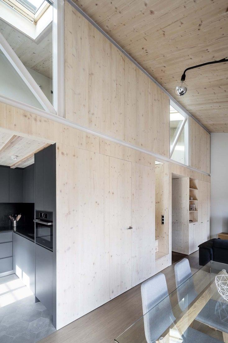 Casa Aleix y Mariona por Sau Taller d'Arquitectura. Fotografía por Adrià Goula