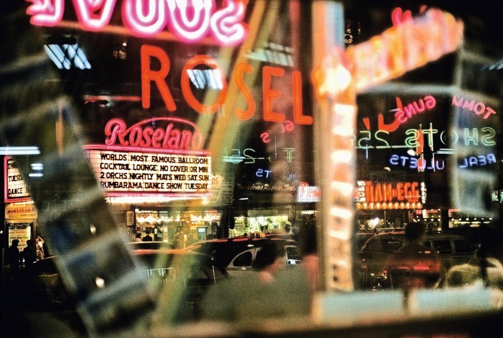 Broadway, 1954. Fotografía Marvin E Newman, cortesía de Taschen