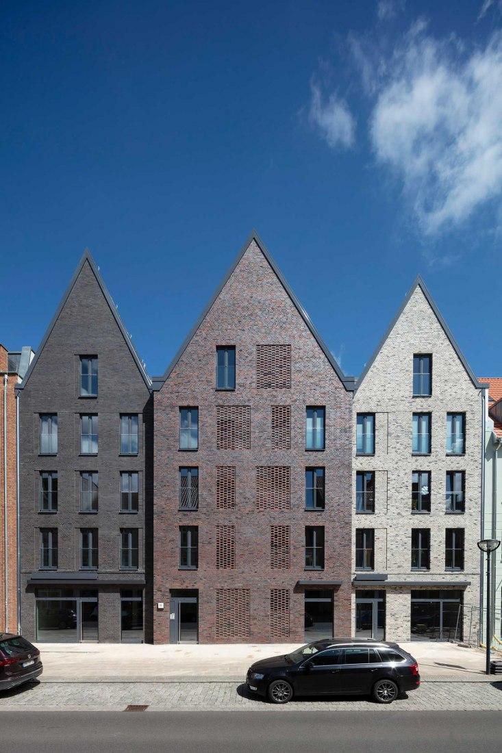 Three-gable house Steinstrasse by TCHOBAN VOSS Architekten. Photograph by Daniel Sumesgutner