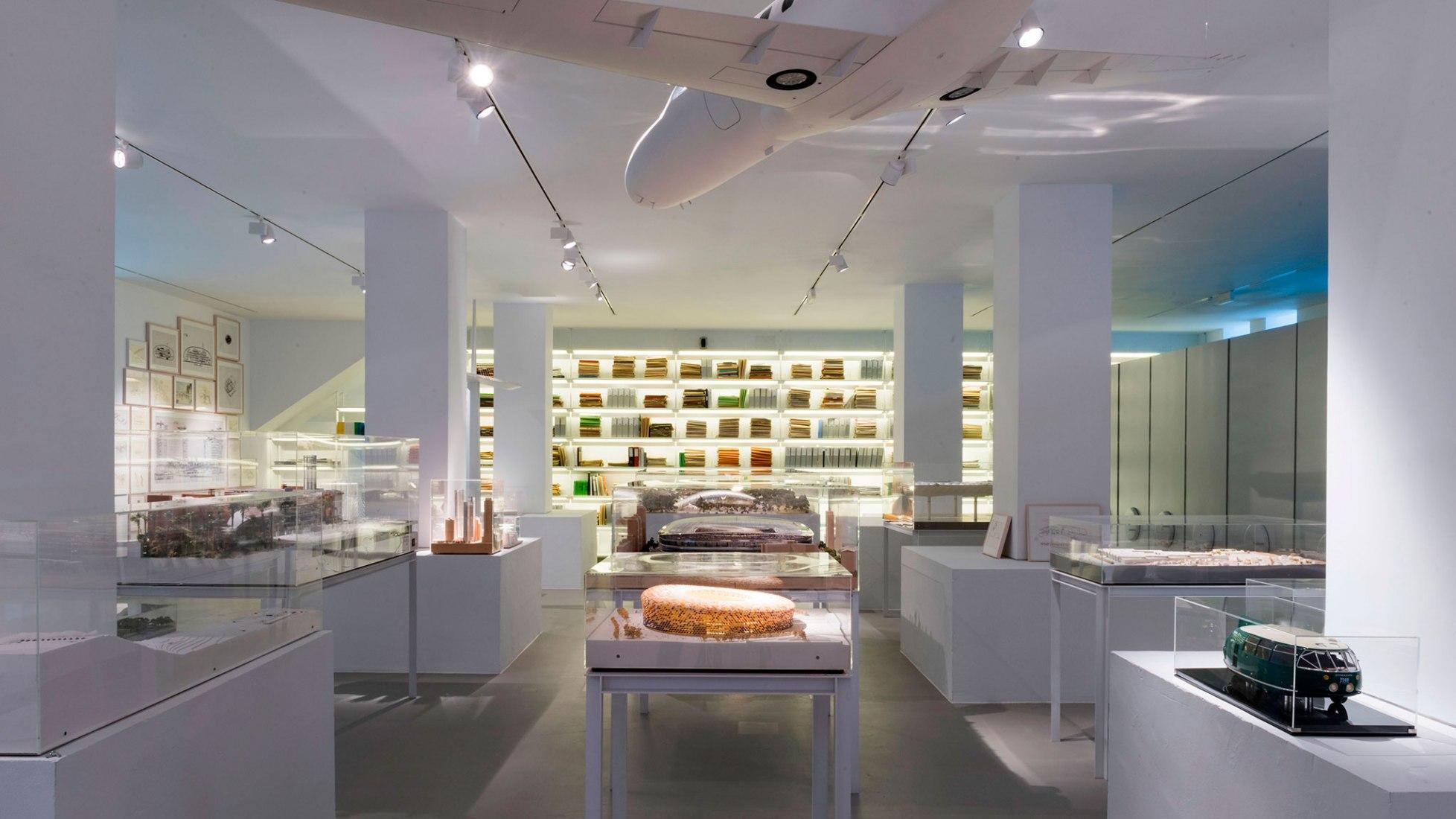 Sala de exposición. Fotografía © Claudio Álvarez. Imagen cortesía de Fundación Norman Foster