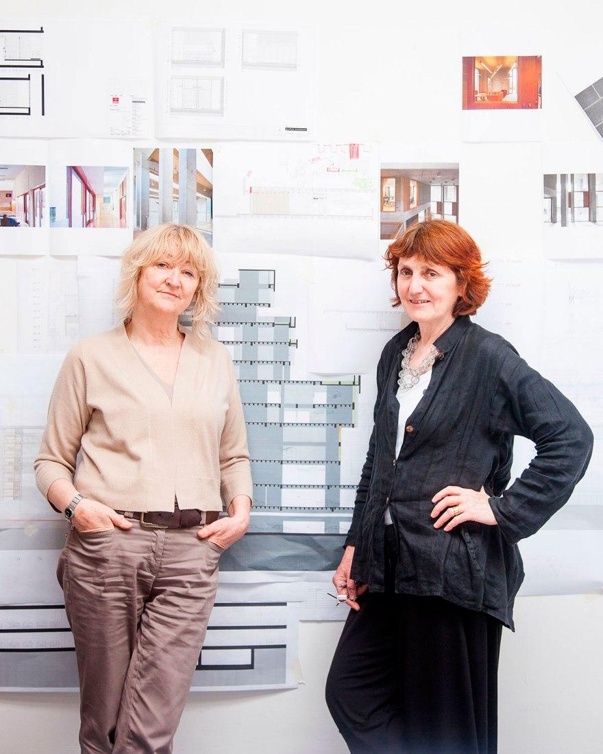 Yvonne Farrell, izquierda, y Shelley McNamara medalla de la Fundación Thomas Jefferson 2017 en Arquitectura