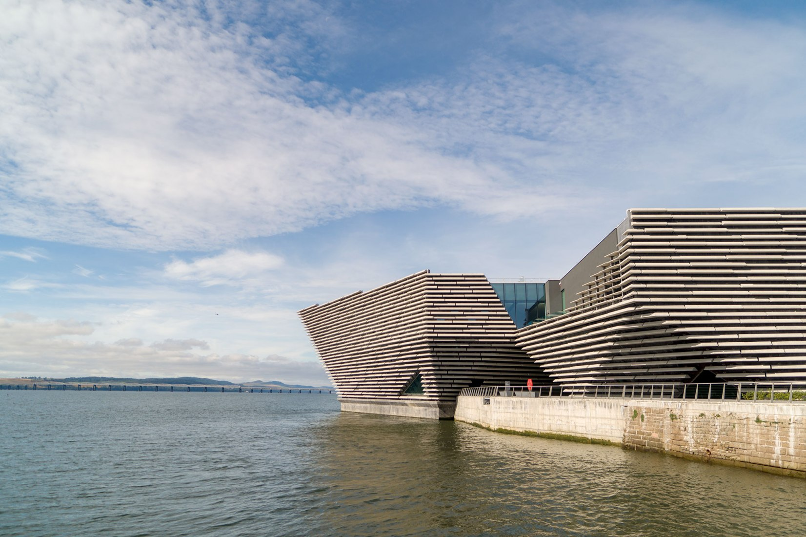 V&A Dundee Museum by Kengo Kuma. Photograph by Rapid Visual Media.