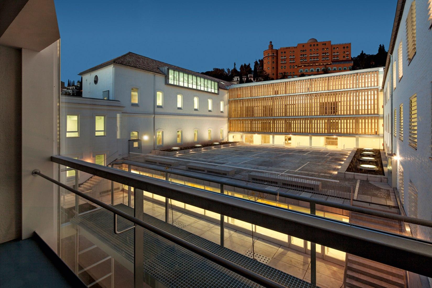 Rehabilitación del antiguo hospital militar para la Escuela Técnica Superior de Arquitectura de Granada. Imagen vía CSCAE