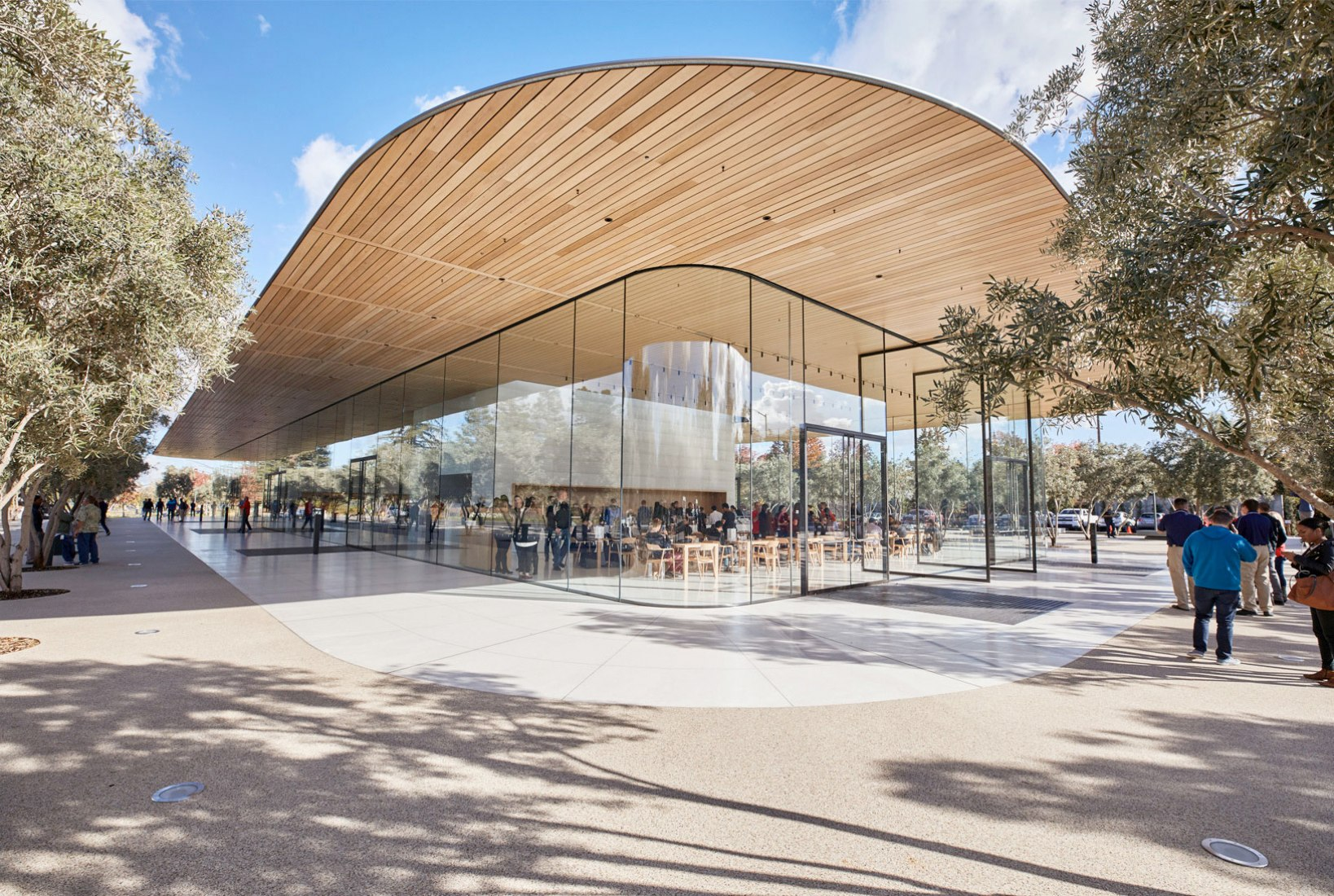 Exterior view. Apple Park Visitor Center  by Foster + Partners. Image courtesy of Apple