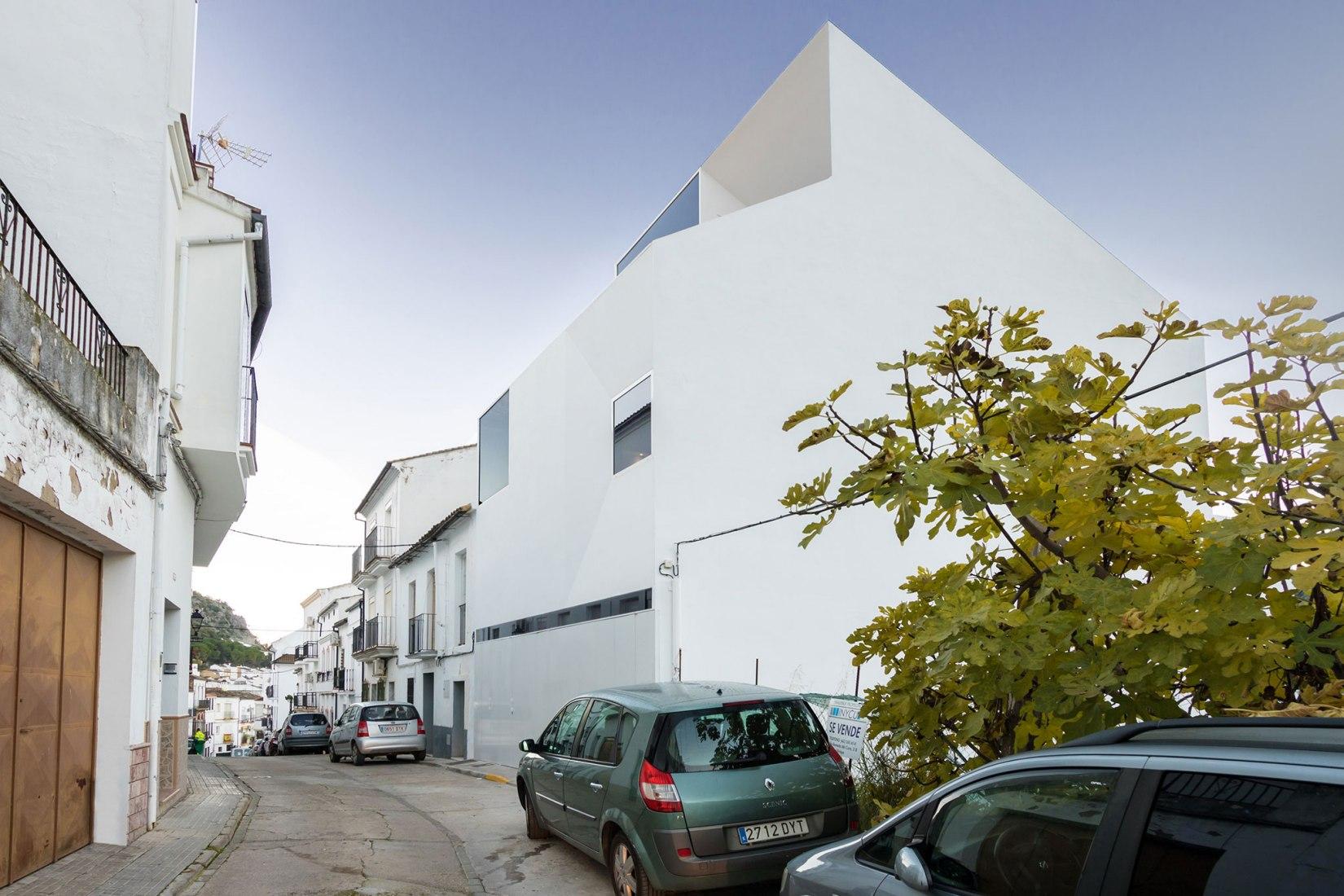 Vivienda en Ubrique por Carquero Arquitectura. Fotografía de Carlos Koblischek.