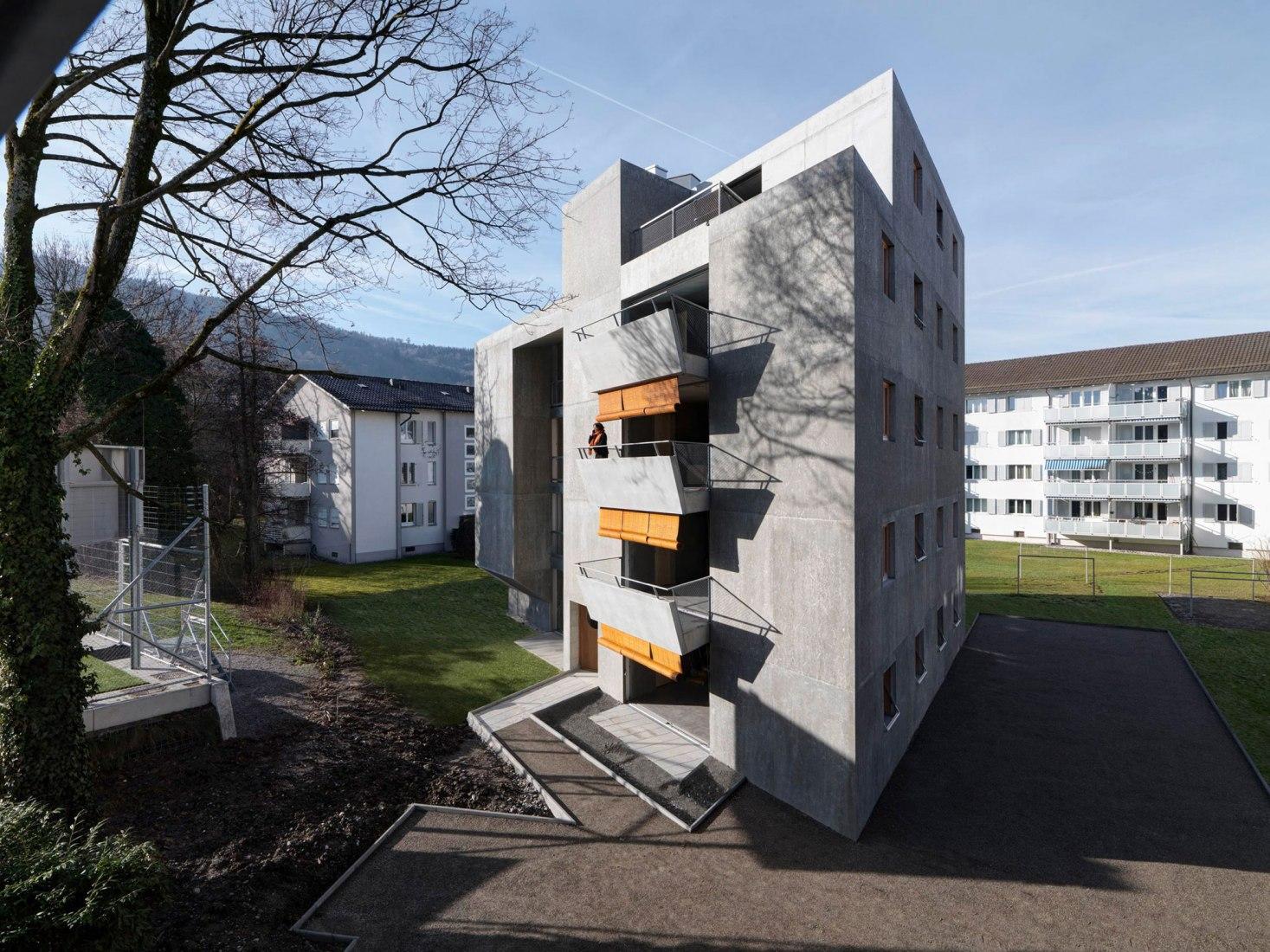 Viviendas sociales Langgrütstrasse por Gus Wüstemann Architects. Fotografía por Bruno Helbling