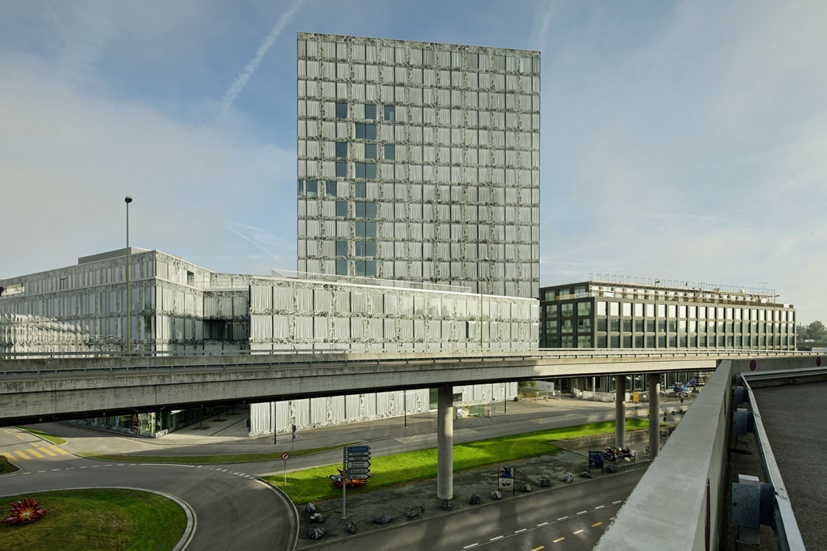 Wiel Arets finished the Allianz Headquarters | The Strength of