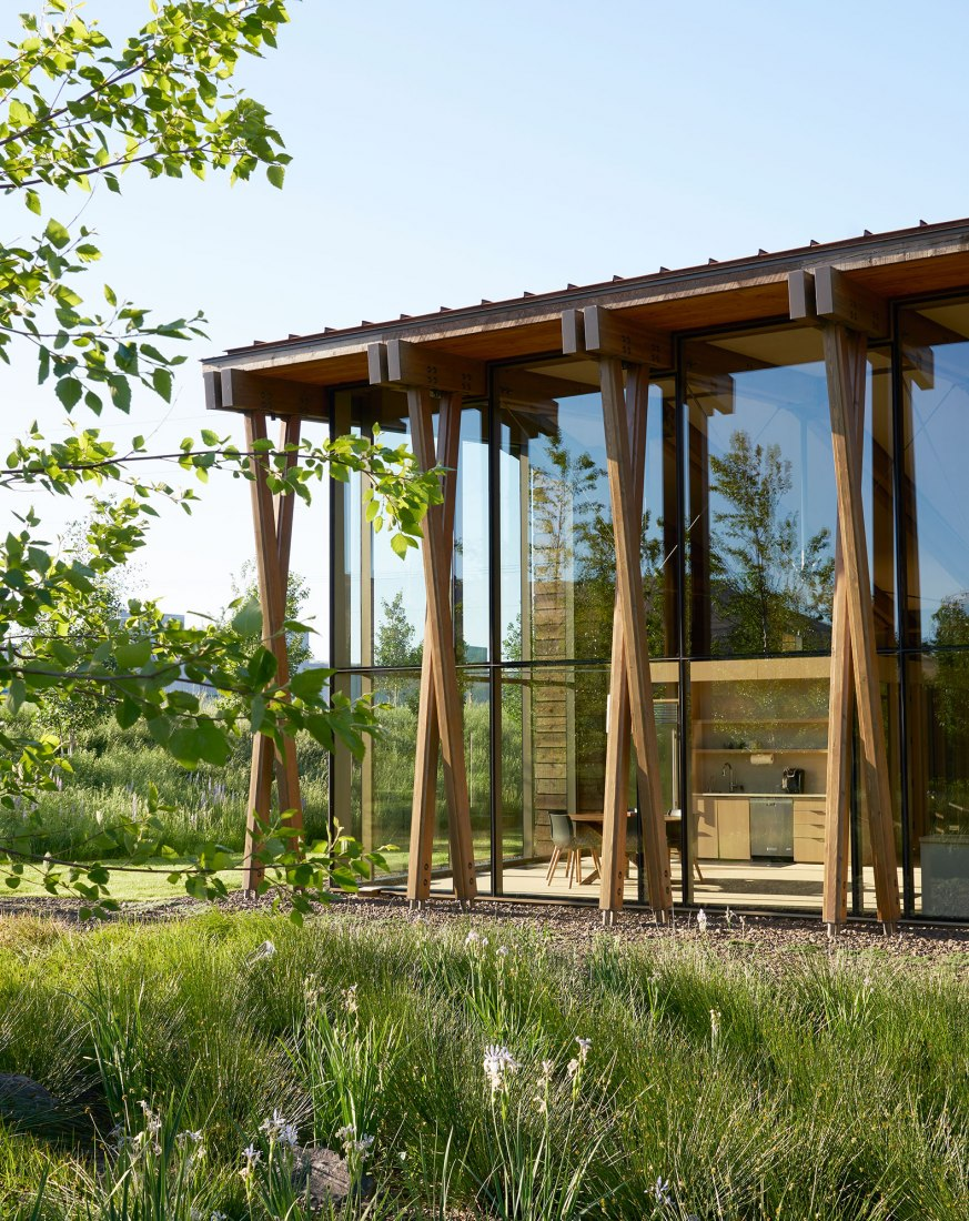 Sede de Washington Fruit & Produce Co. por Graham Baba Architects. Fotografía por Kevin Scott.