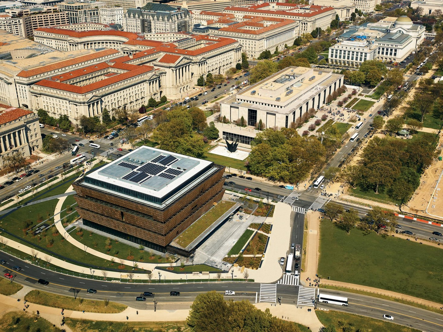 Smithsonian National Museum of African American History and Culture in Washington D.C. Adjaye Associates, The Freelon Group, Davis Brody Bond, SmithGroupJJR for the Smithsonian Institution. Image courtesy of Design Museum