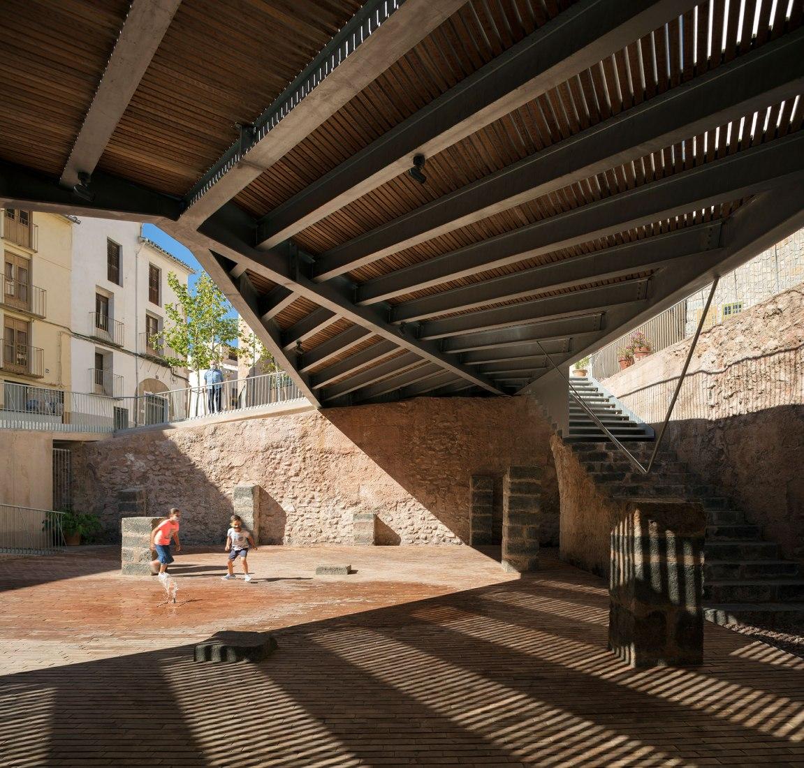 Plaça-Sinagoga. Ganadores de la V edición del premio europeo de intervención en el patrimonio arquitectónico. Fotografía por © Milena Villalba.