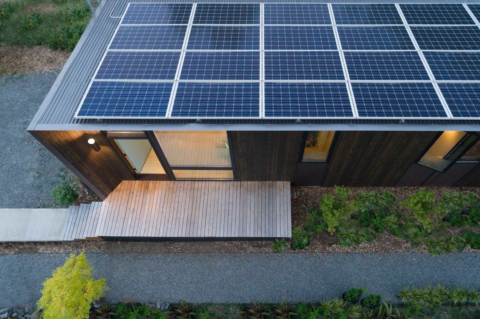 Stone Solar Studio por Wittman Estes Architecture + Landscape y NODE. Fotografía de Andrew Pogue.