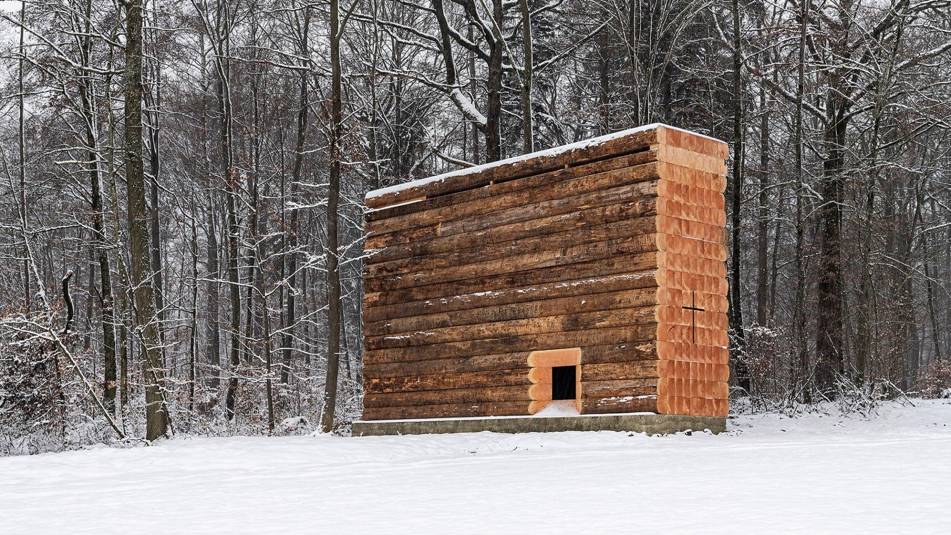 John Pawson, capilla de madera en Unterliezheim. Fotografía por Felix Friedmann.