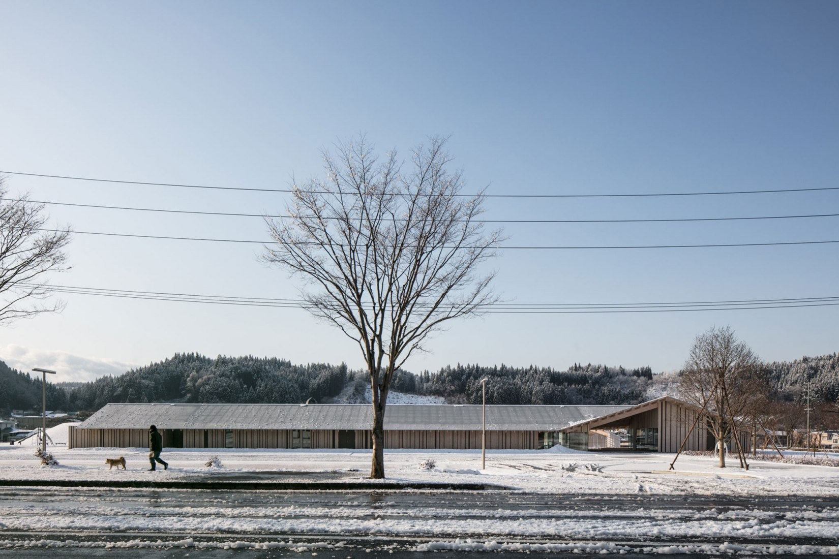 Yunoeki Oyu Community Center by Kengo Kuma and Associates. Photograph by Kawasumi Kobayashi Kenji Photograph Office