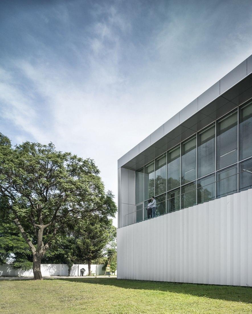 ZM Operations Building by Ruiz Pardo-Nebreda. Photograph © Jesús Granada