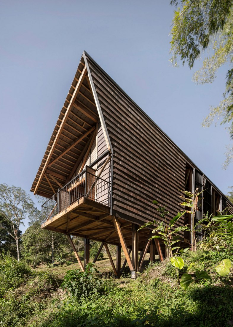 Tejida House by Zuloark and Santiago Pradilla Arquitectos. Photograph by Federico Cairoli