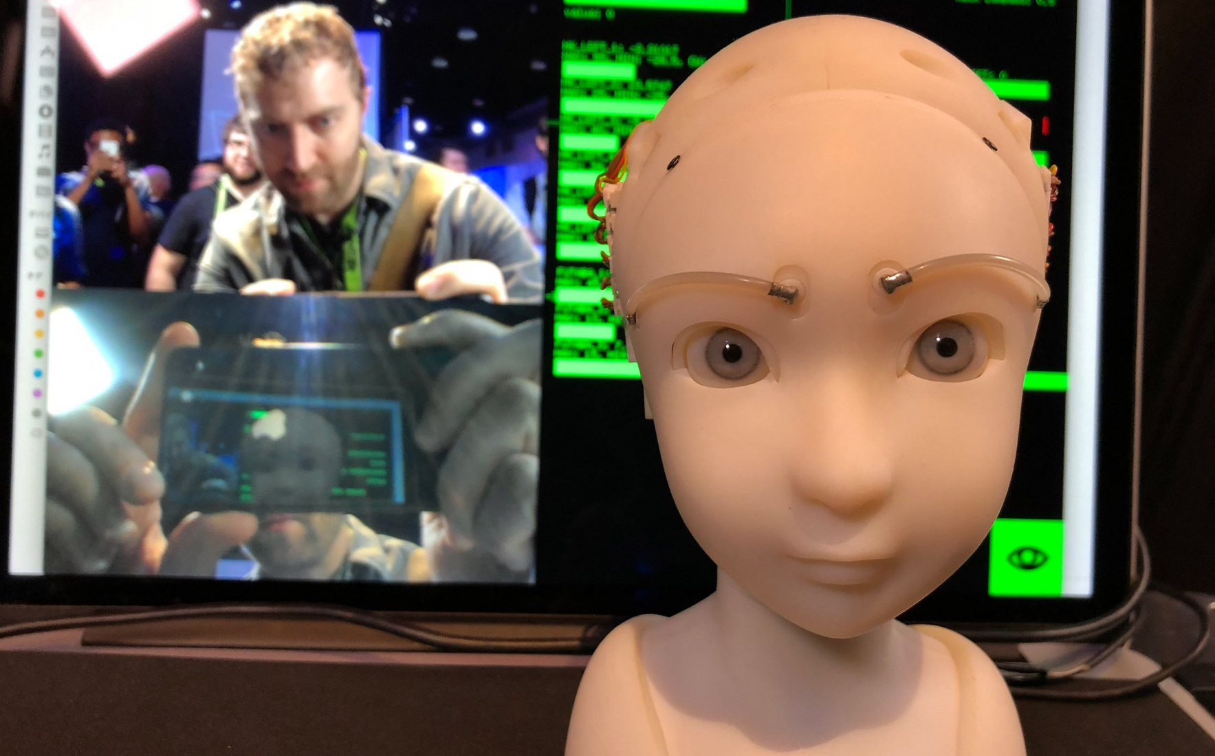 SEER: Simulative Emotional Expression Robot by Takayuki Todo