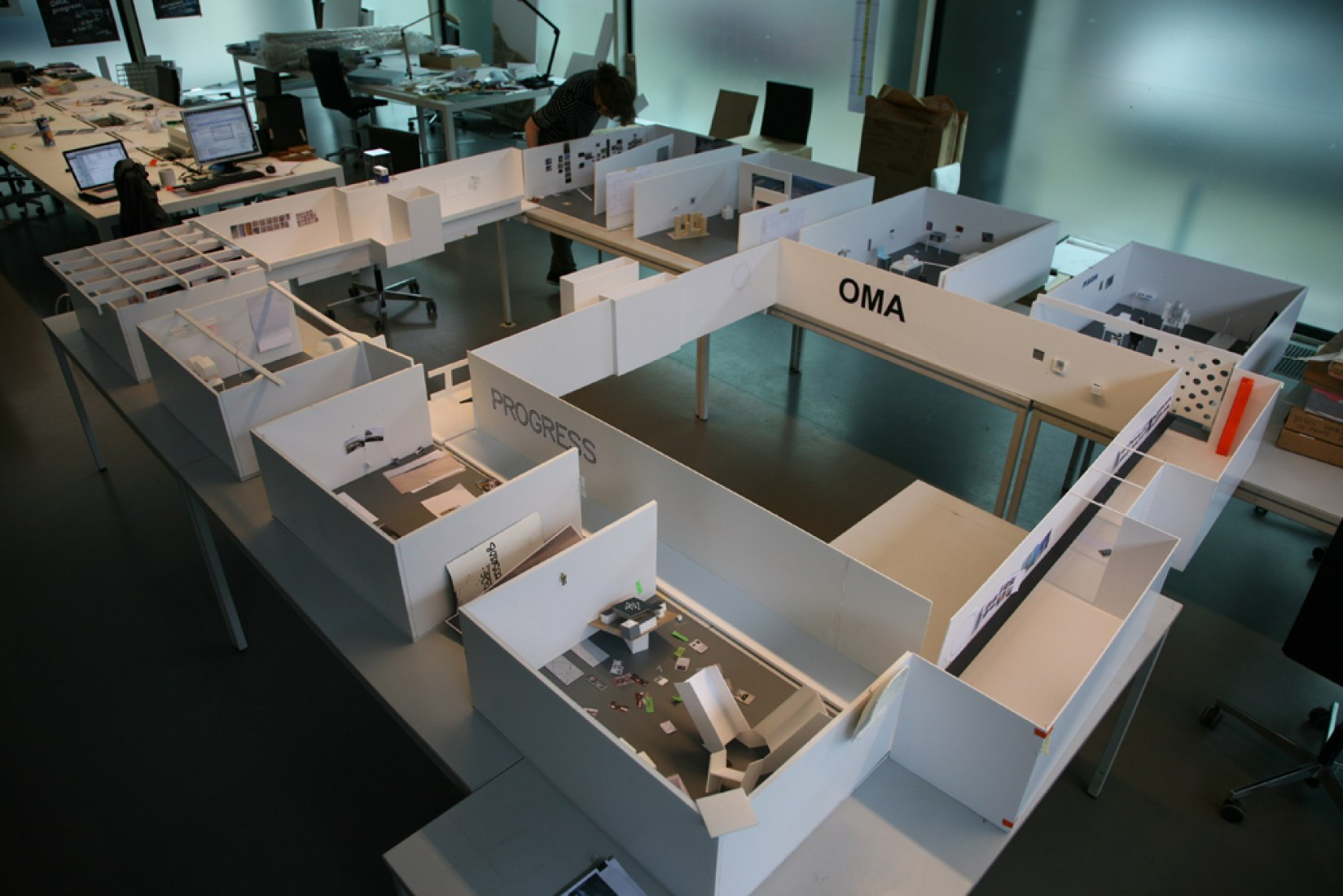 Model of Barbican Art gallery, OMA Rotterdam office. © Rotor © All rights reserved. Courtesy of OMA.