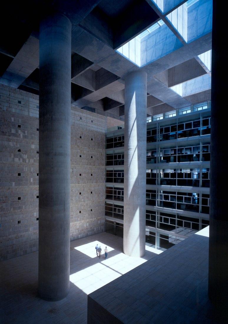 Caja Granada 2001. Cortesía de Alberto Campo Baeza.