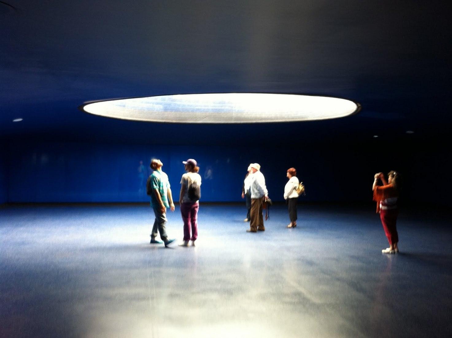 Interior.11-M monumetno por Estudio SIC en Atocha, Madrid, 2007. Fotografía © Roland halbe.