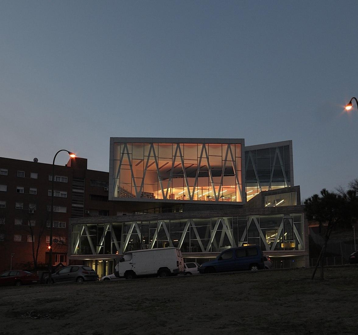 "Municipal Library ""Ana María Matute"". Photography © Alfredo Arias. Courtesy of JA Arias Horas."