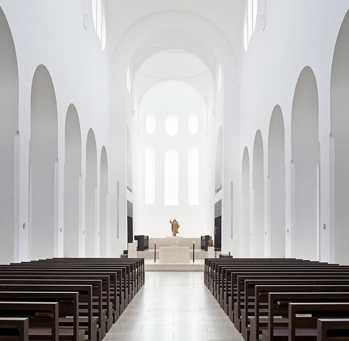 St. Moritz Church by John Pawson. Photography © Hufton+Crow