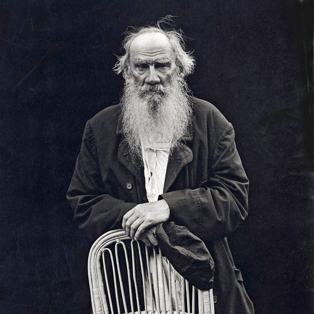 León Tolstói.